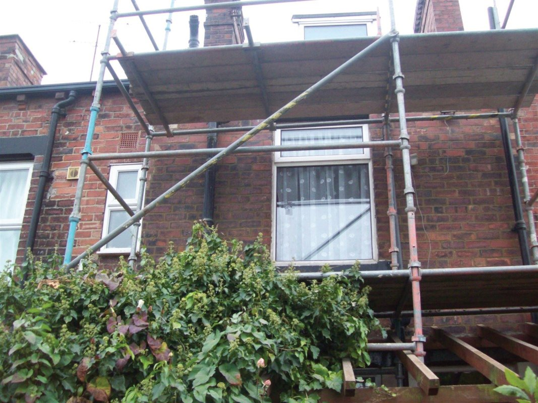 leeds repointing specialists offer free surveys and quotes 01138080784
